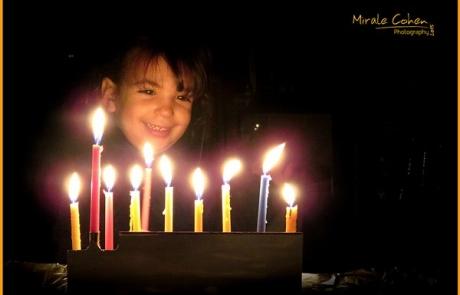 טיפצילום לחנוכה | איך תנציחי את האווירה והאור בזמן הדלקת הנרות?